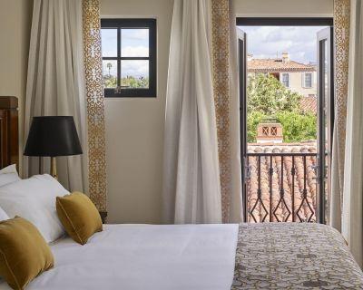 ***New Listing**** Luxury Hotel Suite in Westwood Village - Westwood