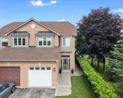 607 Willowick Dr, Newmarket, ON L3X 2A9 3 Bedroom Apartment