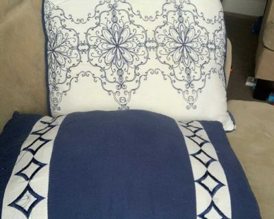 Pillow decor bed free