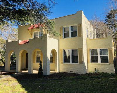 Sunny Miami-Style Villa with Secret Balcony - Portsmouth