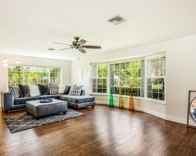 Secluded, waterfront home w/private outdoor pool, gas grill, lanai, a kayak - Caloosahatchee