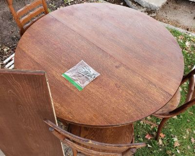 Oak Dining Set with 4 chairs