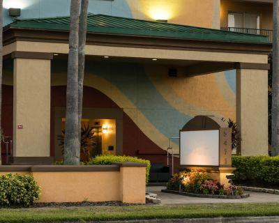 Glistening Orlando's Sunshine Resort, 2 Bedroom Suite - Florida Center