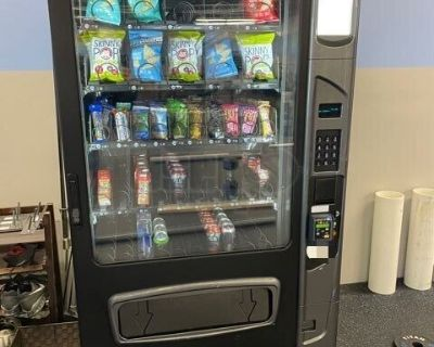 Used USI Wittern ALPINE VT5000 Glassfront Snack and Drink Combo Vending Machine