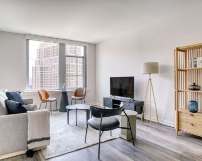 Sunny Crystal City 1BR w/ Pool, Gym, W/D, 1 block to WF by Blueground - Crystal City