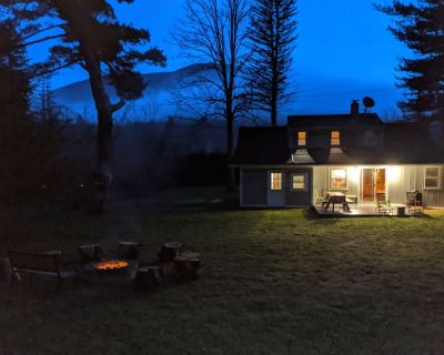 5-12 Minutes to Hunter & Windham Mtns; creek access, fire pit, wood stove, WIFI - Jewett Center