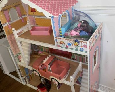Doll House and Doll Bed