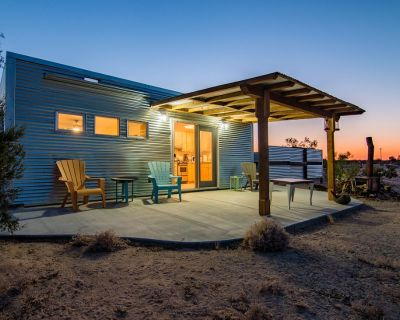 PRIVATE Desert Bungalow for TWO w/outdoor shower / Pet Friendly - San Bernardino County