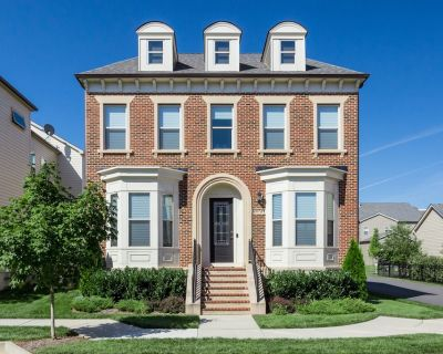Lux 5BD + Private Theatre, Gym, Game Room, Parking - Ashburn