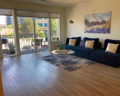 Modern Metropolitan Apartment, Denver, CO