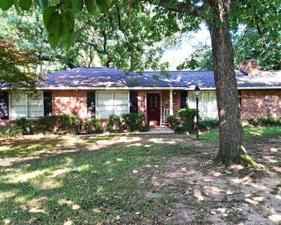 6514 Eastridge Dr, Shreveport, LA 71106