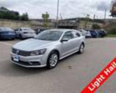 2018 Volkswagen Passat Silver, 32K miles