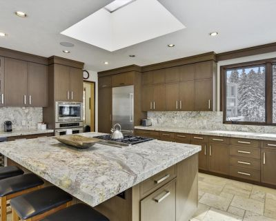 New Rental! Luxury Alta Home with Hot Tub, Pool Table, Game Room and Kitchen - Salt Lake Mountain Resorts