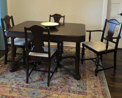 Antique Mahogany Table & Six Chairs