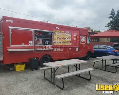 Fully Loaded 2000 Workhorse Professional Mobile Kitchen Diesel Food Truck