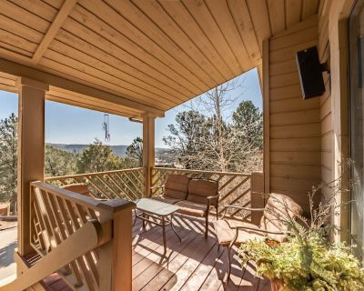 Vacationing amid the rugged Sierra Blanca doesn t have to mean roughing it. Case - Ruidoso