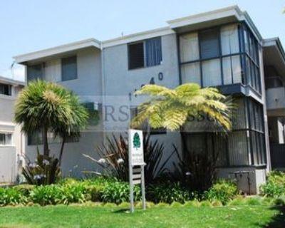 11940 Dorothy St #3, Los Angeles, CA 90049 1 Bedroom Apartment