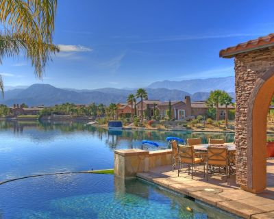 Luxury Lakefront Retreat in the Desert - Rancho Mirage