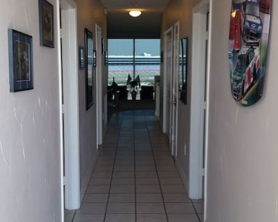 Rent a Luxury 7th Floor Texas Motor Speedway Condo! Right on the race track! - Fort Worth