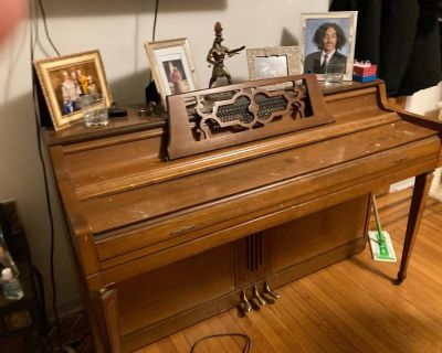 Free Upright / Standup Wurlitzer Piano (Bayonne, NJ)