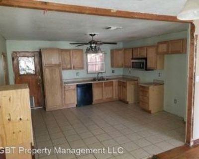 207 N D Ave, Kermit, TX 79745 4 Bedroom House