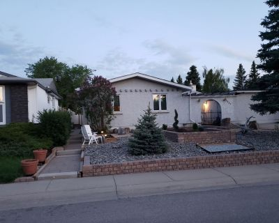 Ideal furnished 550 sq. ft legal conforming basement suite with bright interior. - Southwest Calgary