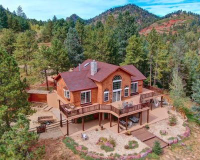 Lost Antler Lodge - 3 acres/hot tub/fire pit/close to town - Woodland Park