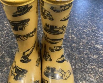 Size 10 rubber boots