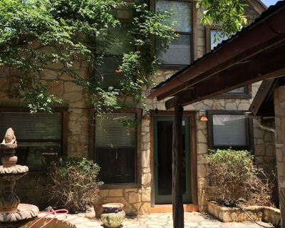 Hill Country Retreat - Hunt