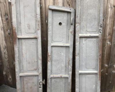 Double cab gates-set#2