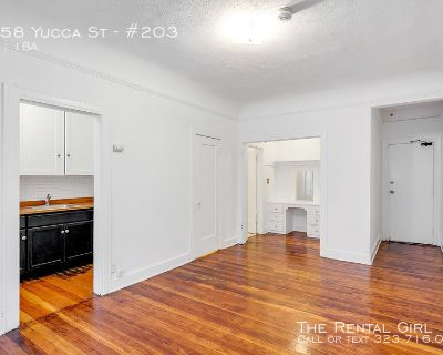 ONE MONTH FREE- VERY NICE STUDIO IN THE HEART OF ICONIC CENTRAL HOLLYWOOD W/ SHARED BACK PATIO SPACE