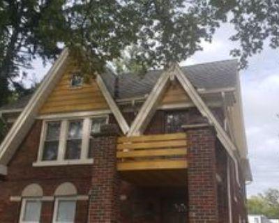 682 Neff Road #2, Grosse Pointe, MI 48230 3 Bedroom Apartment