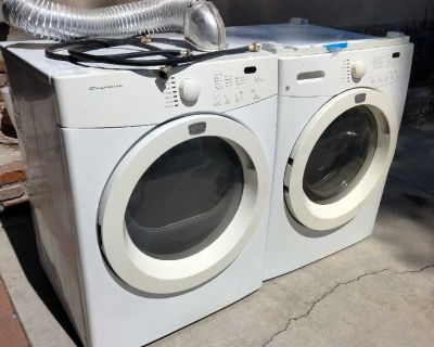 Washer and dryer stackabls gas
