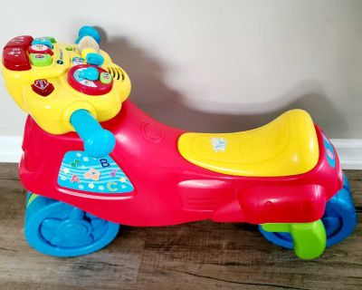 Ride-on moto/tricycle