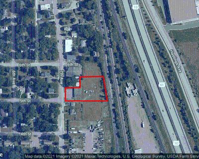 Retail Building/Land 1.029 Acres for Sale in Newport