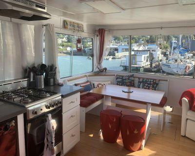 Cute houseboat, amazing location - Sausalito