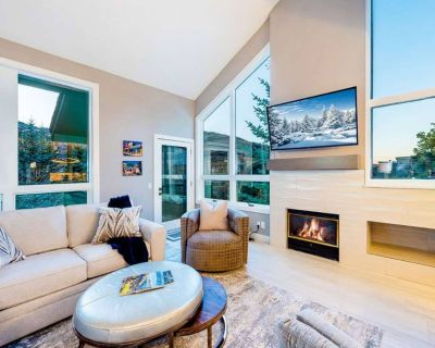 FREE SKI RENTAL! Renovated Luxury Home w Gourmet Kitchen, 3 Cal King Master Suites, Free Shuttle - Park City