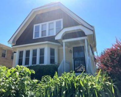 3151 South Mabbett Avenue, Milwaukee, WI 53207 3 Bedroom Apartment