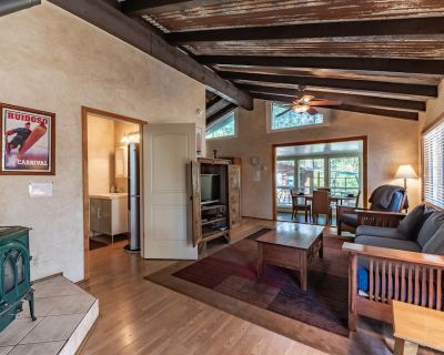 Little Adobe ', Private Outdoor Hot Tub, Close to Mid-town, sleeps 4, Gas Grill - Ruidoso