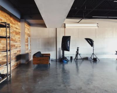 Spacious Industrial Creative Studio, Sterling, VA