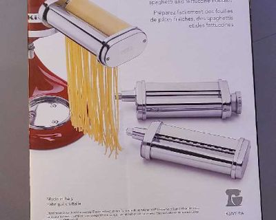Like New kitchenaid 3 piece pasta roller and cutter set