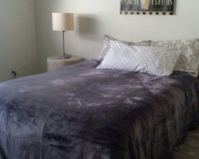Beautiful, Huge Master Bedroom w/ En Suite Bath