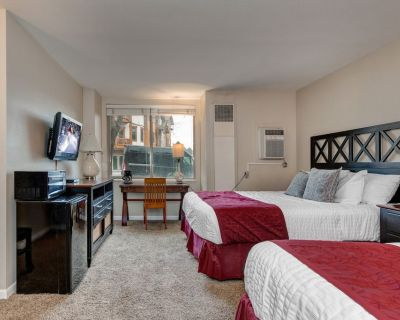 Prospector 204 by Moose Management-Downtown! Hot Tub/Pool, 24-hour Check-in - Park City