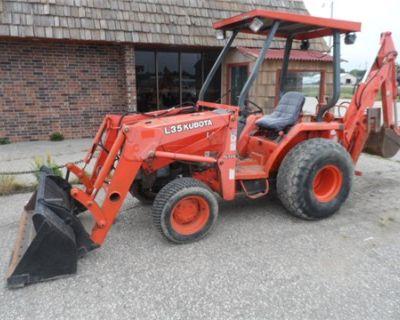 2000 Kubota L35 Tractor/Loader/Backhoe