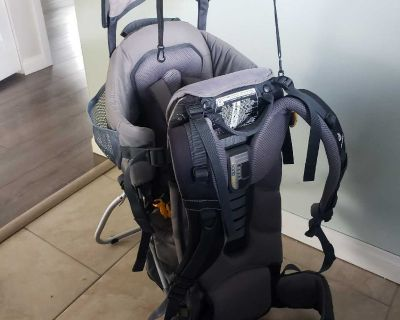 Hiking baby carrying backpack