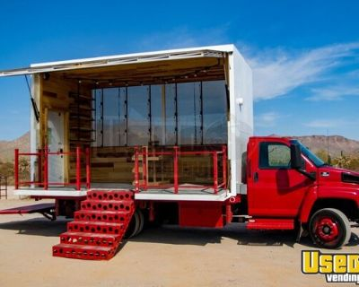 2004 Chevrolet C4500 Retail Business Vehicle Mobile Stage Truck