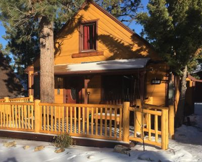 Cozy Vintage Cabin, Close To Lake, Village, Sledding, Ski Resorts - Big Bear Lake