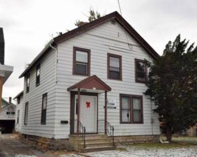 415 Amherst Ave #1, Oshkosh, WI 54901 6 Bedroom Apartment