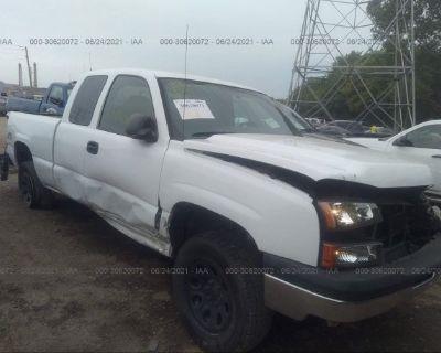 Salvage White 2006 Chevrolet Silverado 1500