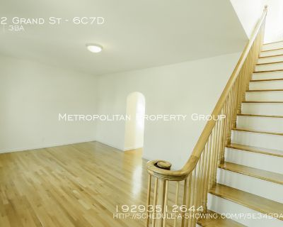 No Fee! Massive Duplex 4 bedroom/3Bath with a Washer & Dryer In the Heart Of Little Italy!